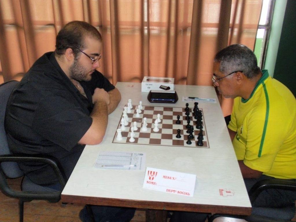 Nei enfrenta Renato Werner