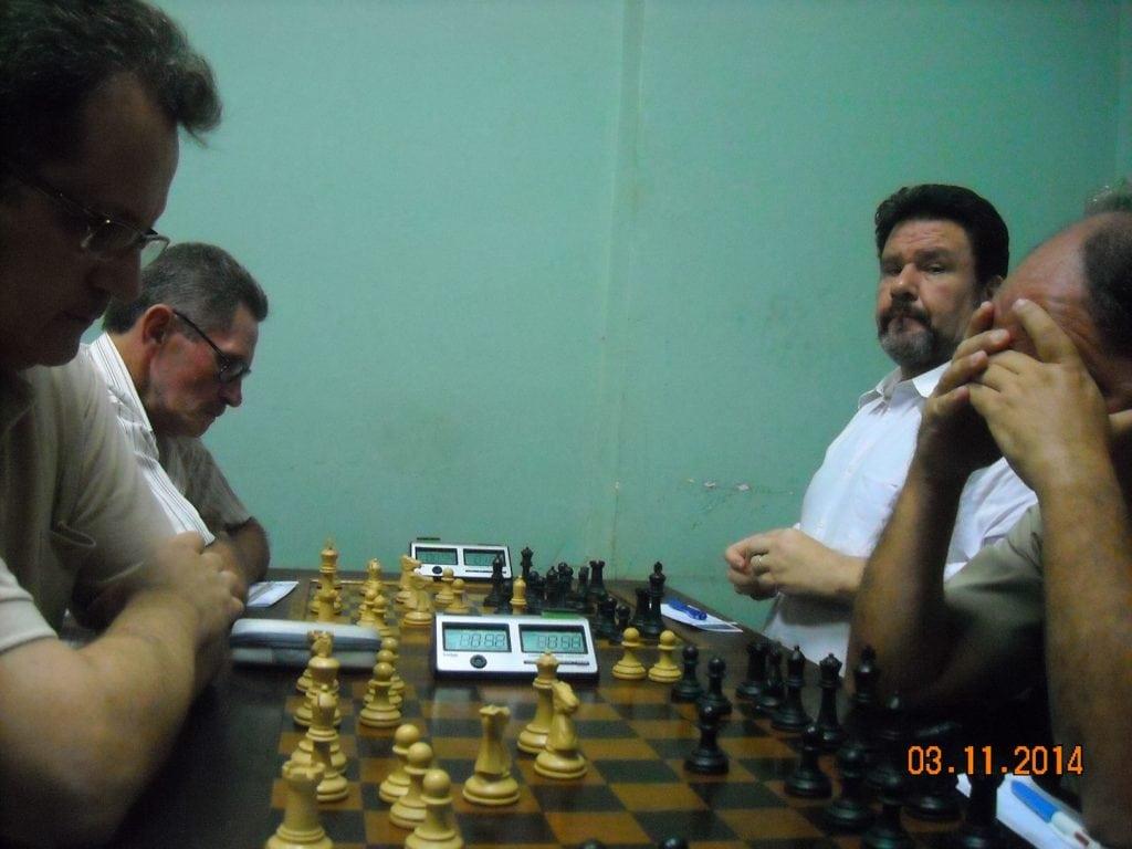 As partidas Joarez Araújo vs António Pádua e Fernando Madeu vs Albino Simões