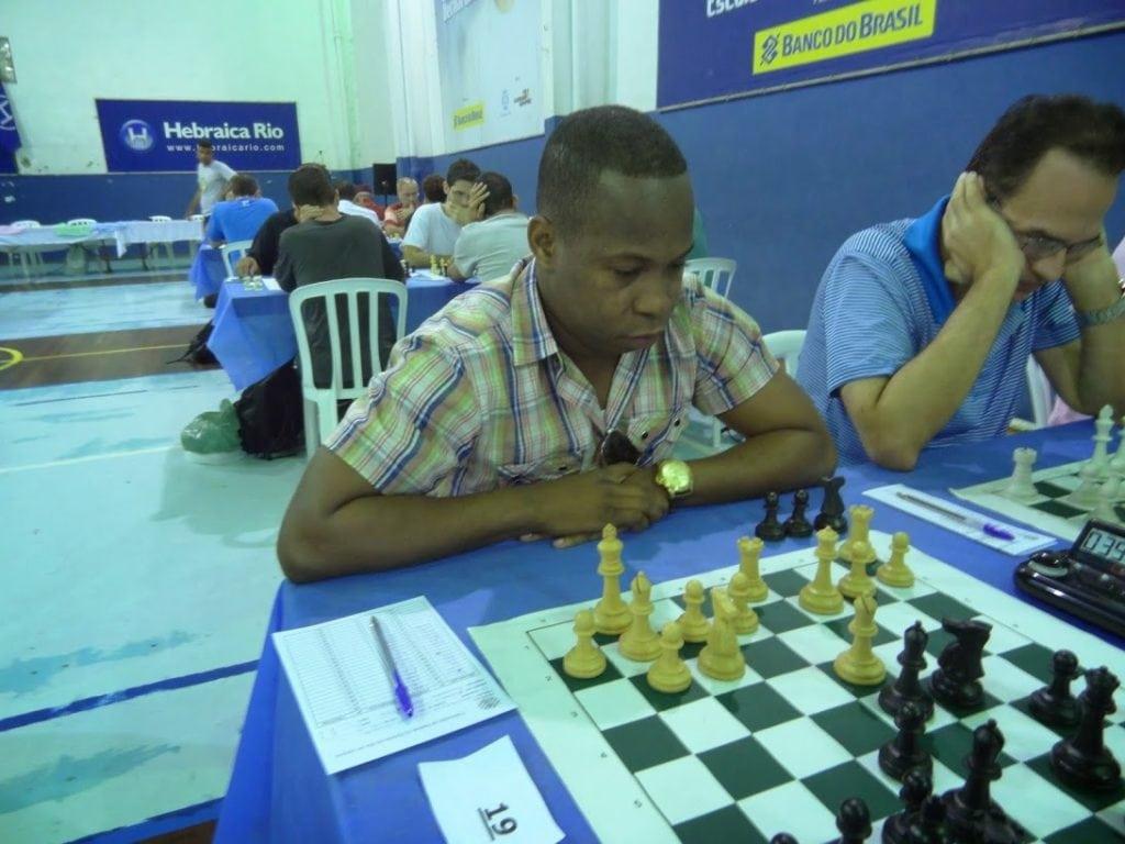 Defendendo as cores de Angola, António Pinheiro ficou em quadragésimo quarto lugar, com três pontos.