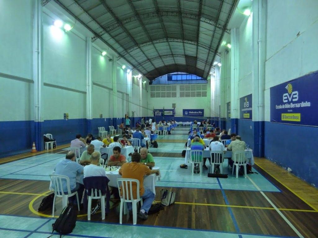 Os 87 participantes tiveram espaço de sobra nas instalações da Hebráica, o clube anfitrião.