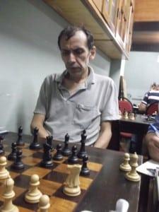 José Chauca, defendendo seu título de Campeão