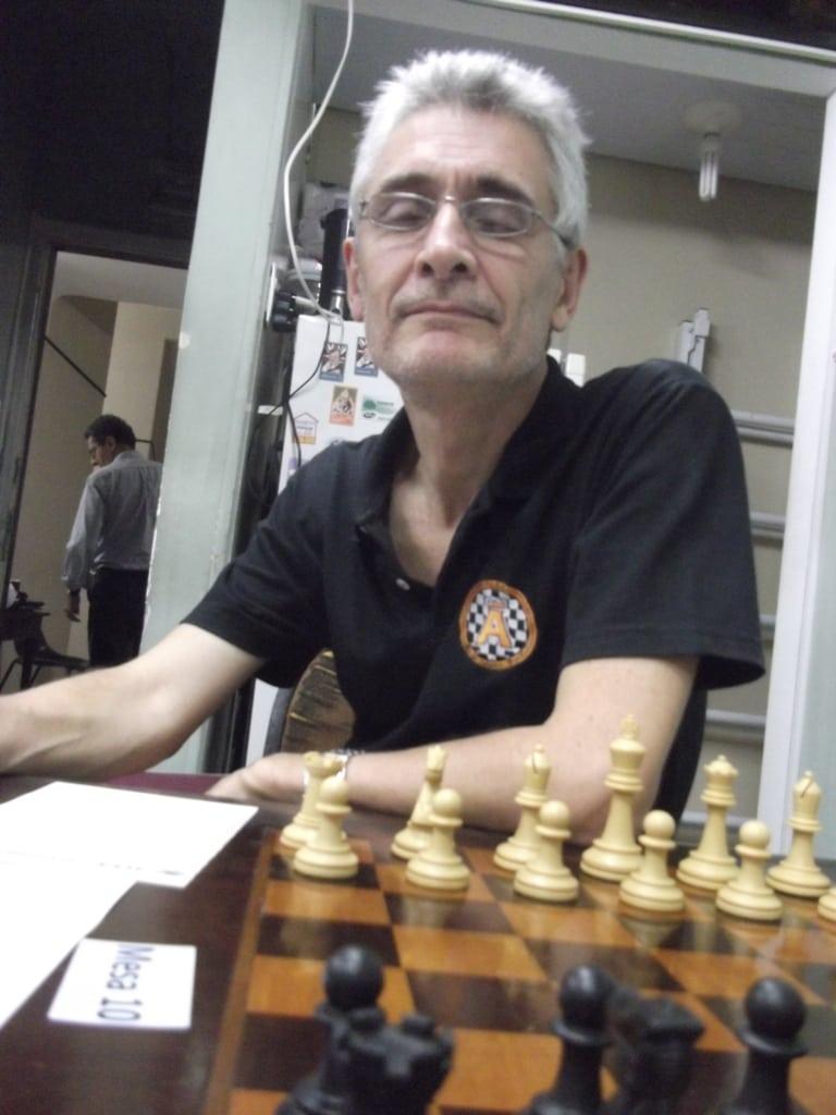 Alberto Mascarenhas, Presidente da FEXERJ, visitando o torneio.