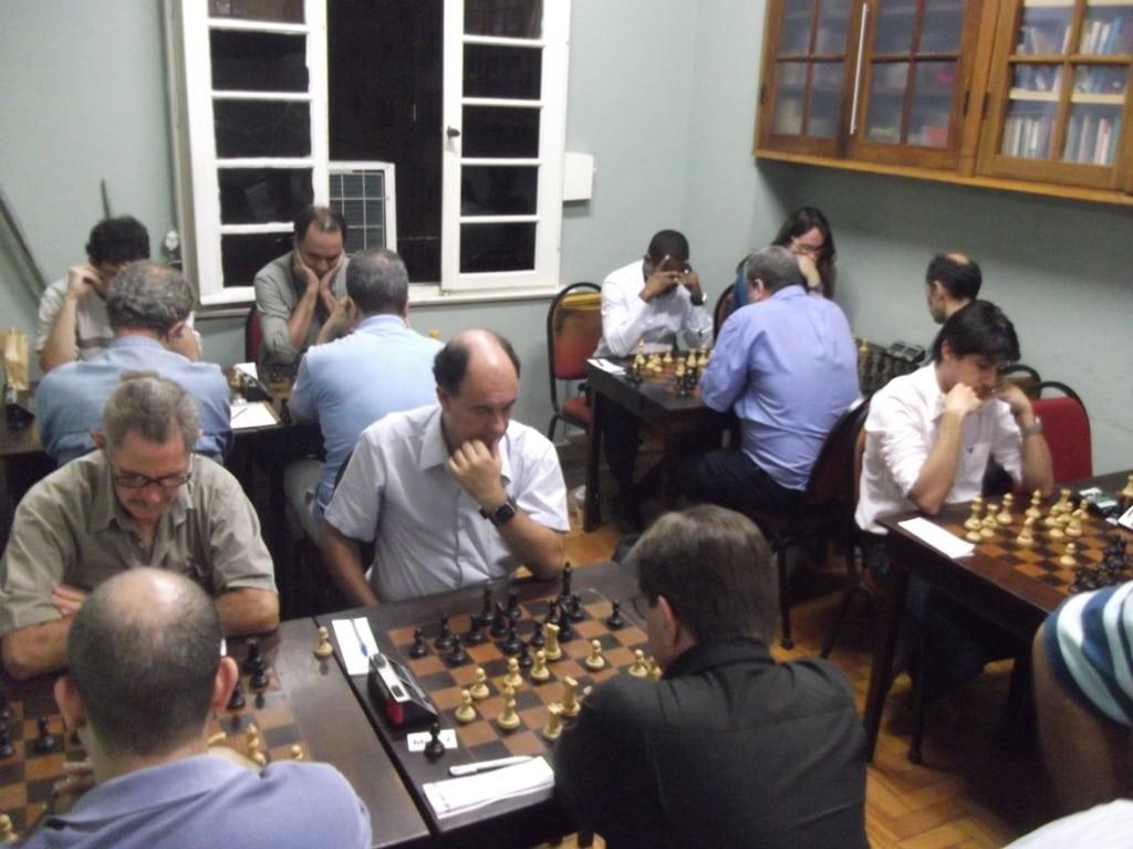 Uma visão geral da sala do torneio