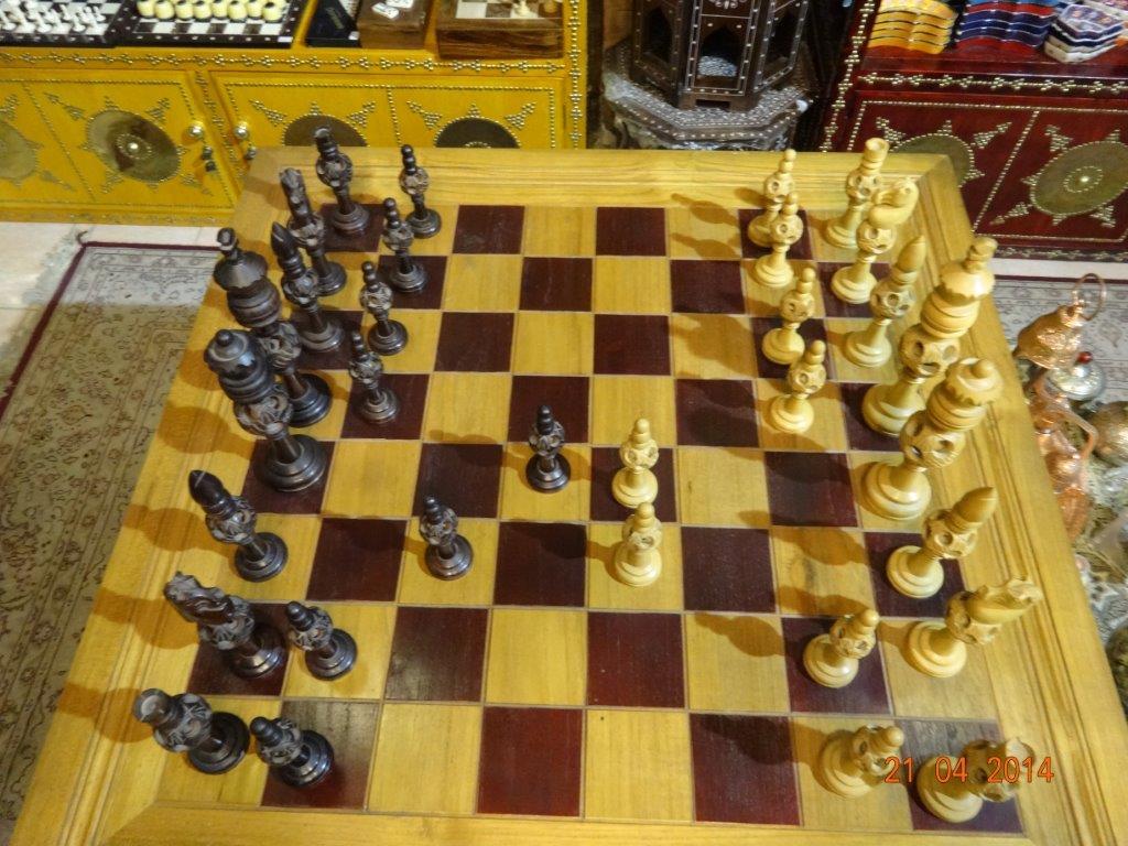 Alguém já imaginou jogarmos um torneio Blitz com peças assim?