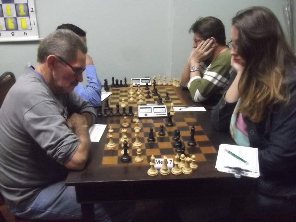 Na mesa 7, em um confronto alexano, o marinheiro especialista Joarez Araújo perdeu da Doutora Ellen Giese