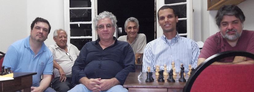 Na Assembléia, da esquerda para a direita, Marcelo Einhorn (Hebraica) Rafael Pires (Associação Atlética Banco do Brasil) Alvaro Frota (ALEX) Alberto Mascarenhas (Presidente da FEXERJ), André Kemper (Clube Municipal) e Bruno Murtinho (Clube de Xadrez de Petrópolis)