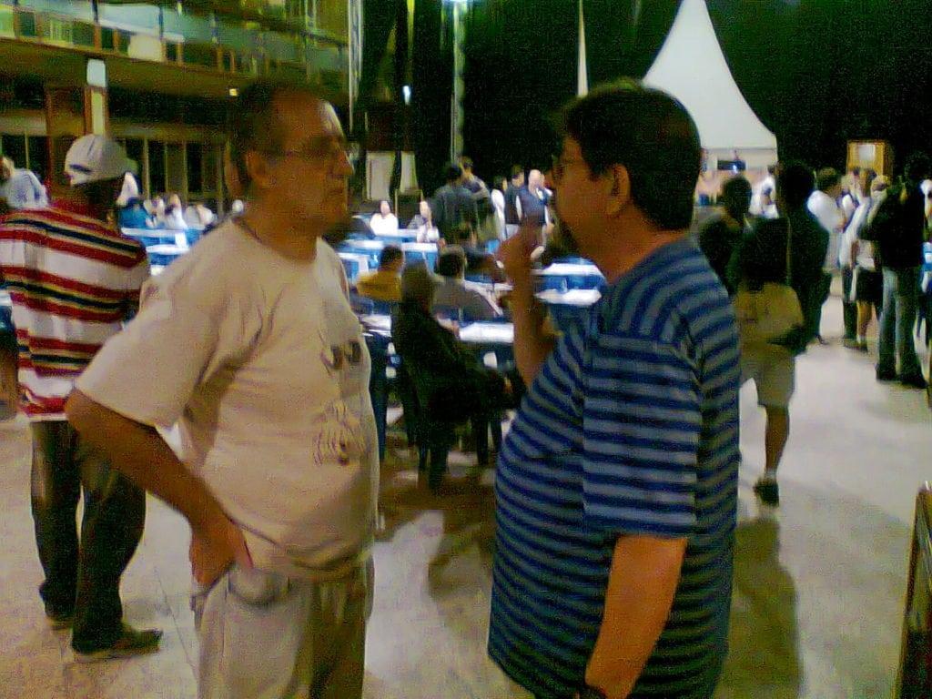 """Diógenes Labre e Jorge Silveira, da Equipe """"B"""", debatendo estratégias que infelizmente não deram muito certo."""
