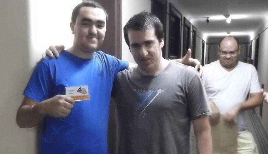 O Mestre Internacional Argentino, German Della Morte, que está jogando o ITT FEXERJ, foi praticamente coagido a entregar o terceiro prêmio ao Iago. Mas o Hermano cumpriu bem seu papel!