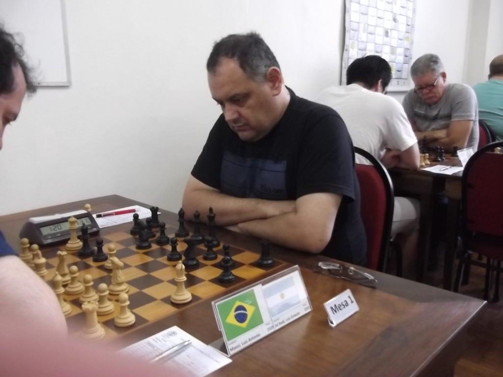 O Mestre Internacional Luiz Ernesto Rodi é um internacionalista! Uruguaio federado pela Argentina faz sua carreira enxadrista no Brasil. Rating 2359