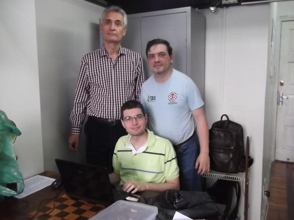 Alberto Mascarenhas, Presidente da FEXERJ organiza a prova, arbitrada por Marcelo Einhorn e Rafael Rafic.