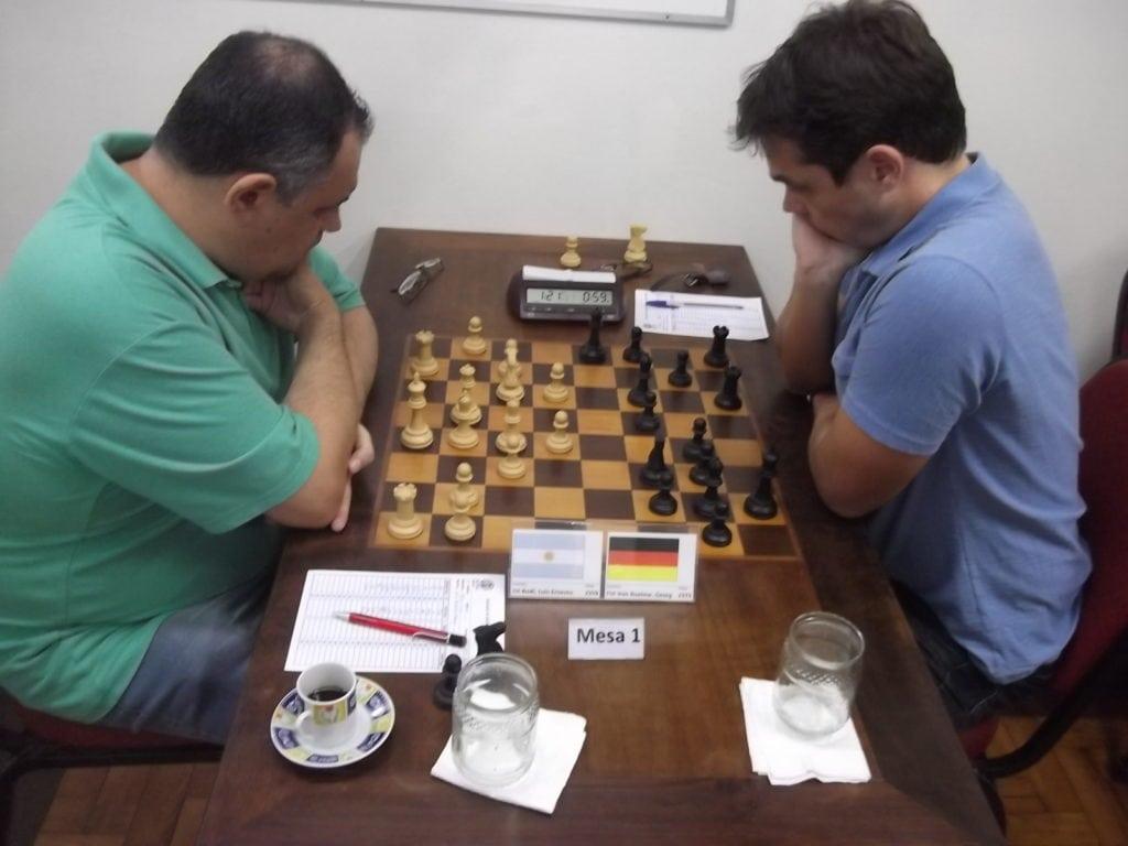 Na quarta Rodada, o uruguaio federado pela Argentina Luiz Rodi empatou com o alemão radicado no Brasil Georg Buelow