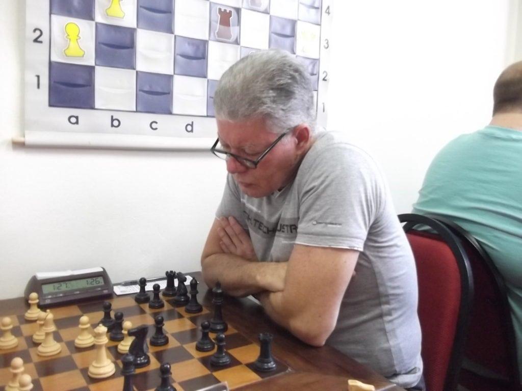 O Mestre FIDE Ricardo da Silva Teixeira, do Tijuca Tênis Clube, já foi o Cinderela do Campeonato Brasileiro (que coisa horrível de se dizer, mas foi o site do ChessBase quem disse isso, não eu...). Rating 2219
