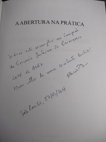 """A dedicatória de Flávio Santoro no exemplar do livro """"A Abertura na Prática"""", prêmio ao Campeão do Torneio Interno da Primavera"""