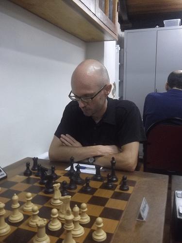 ... na partida que venceu do compenetrado Francesco Noseda (CXG, 1987).