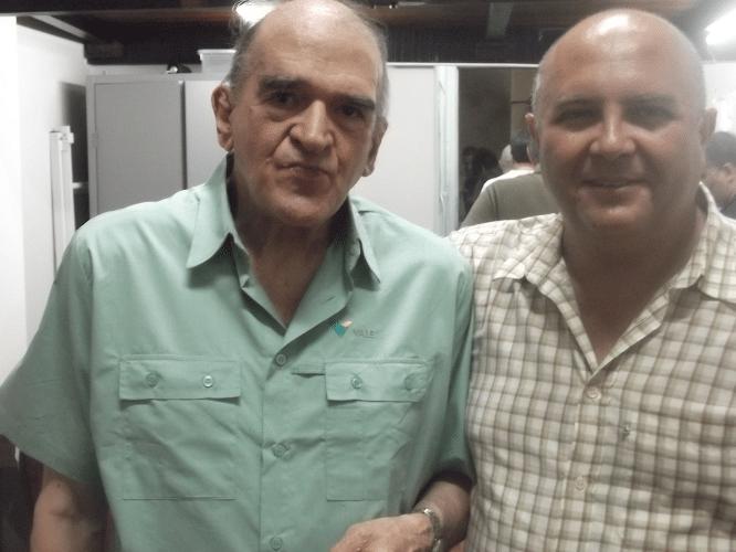 Carlos Rolim e Tarcísio Leite posam para a foto histórica.