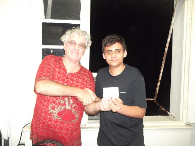 O jovem Eduardo Galvão Barboza recebeu  a Menção Honrosa do torneio, pela disposição de enfrentar as feras.