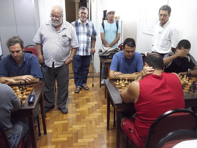 Em pé, Henique Mangine, Roberto Ferreira de Almeida, Simplício Ribeiro e Antônio Elias