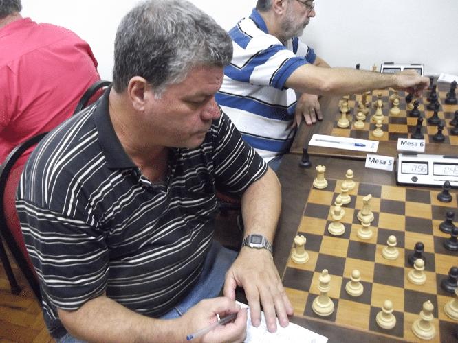 """Sérgio Murilo, aquele que proclama """"O Campeão Voltou""""."""