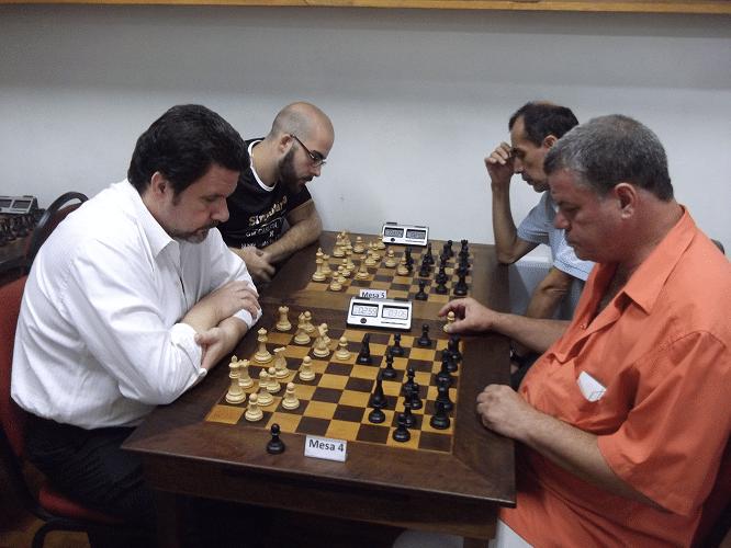Na mesa 5, Pádua enfrenta Murilo e na mesa 6 Werner enfrenta Chauca