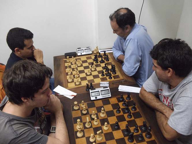 Leo Ramos Simões vs Daniel Faria e Oscar Solano Rueda vs David Rabello