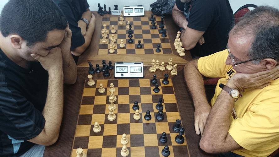 1ª rodada - Iago Henrique Souza ganhou de brancas de Diógenes Labre