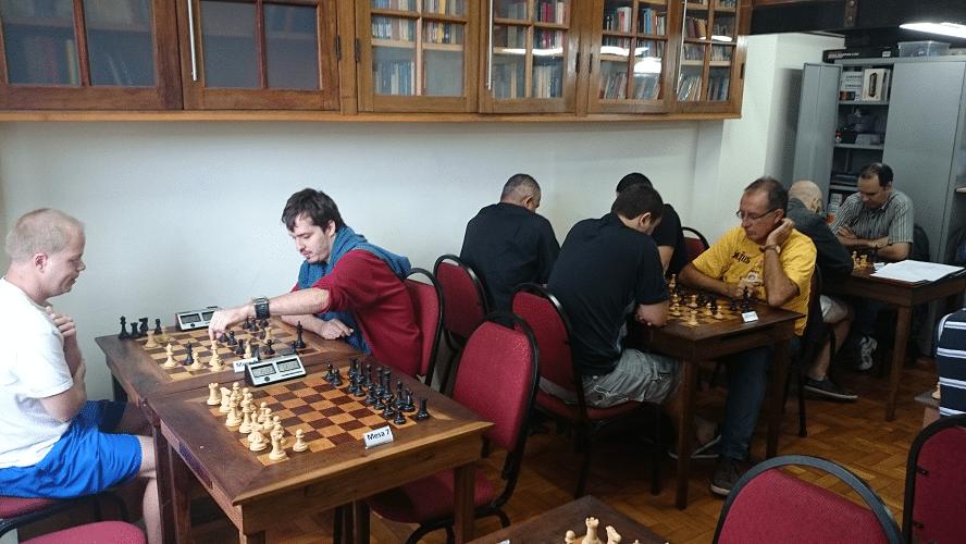 1ª rodada - Oscar Weibull perdeu de brancas de Leo Ramos Simões