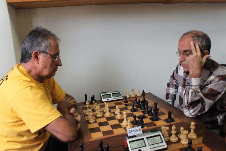 2ª rodada - Diógenes Labre, de brancas, ganhou de Eduardo Ribeiro Gomes