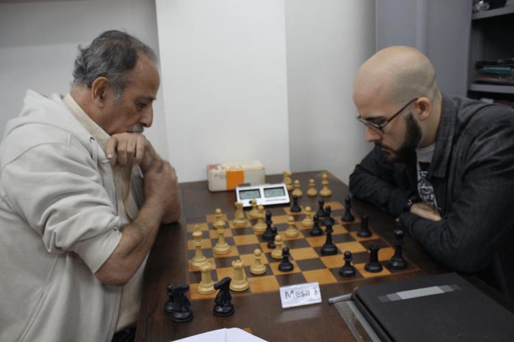 2ª rodada - Juarez Lima perdeu de Renato Werner, que jogou de negras