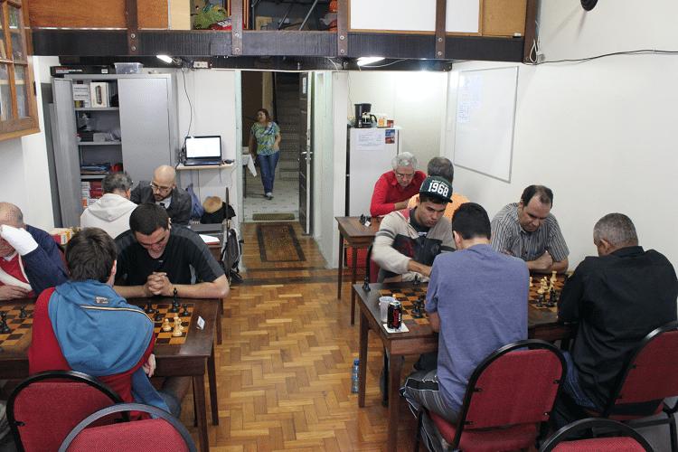 2ª rodada - Vista das partidas desde o fundo da sala