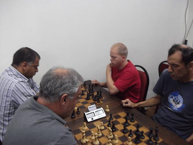 3ª rodada - Marcelo Santos Silva ganhou de Oscar Weibull e Paulo Paiva perdeu de Luís Chauca