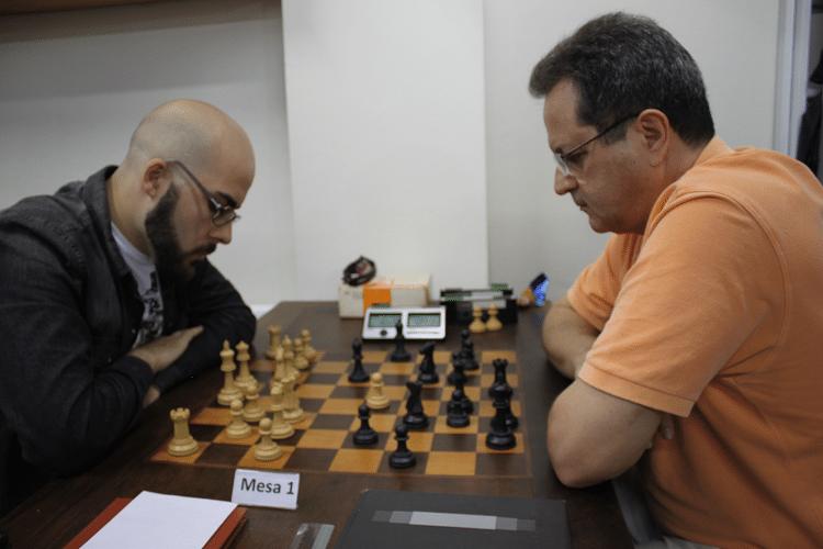 3ª rodada - Renato Werner ganhou de Fernando Madeu, que jogou de negras