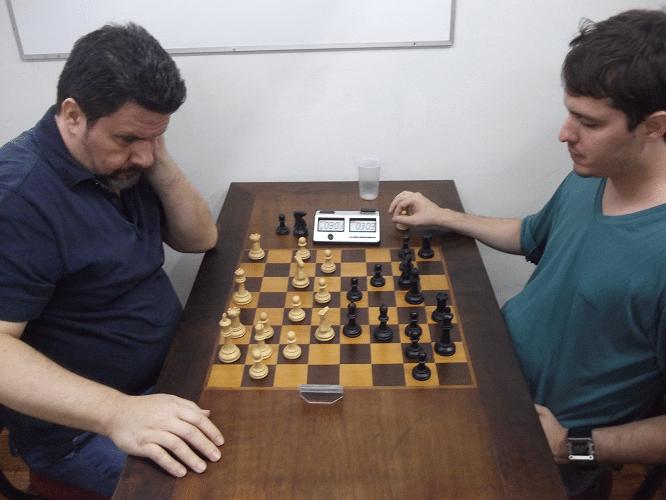 4ª rodada - Antonio Padua vs Leo Ramos Simões 1-0
