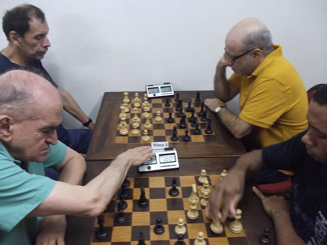 4ª rodada - Thiago de Azevedo Siqueira vs Carlos Rolim 1-0 - José Luís Chauca vs José Carlos Mesquita 1-0