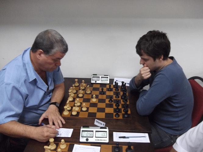 Sérgio Murilo venceu Leo Ramos Simões