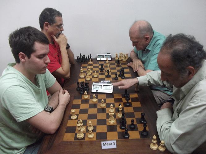 Partidas da 4ª rodada - Leo Ramos Simões va Juarez Lima