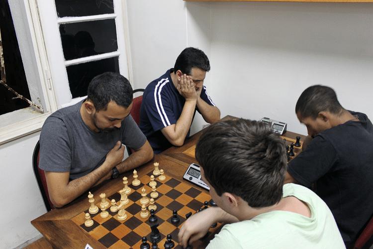 Partidas da 6ª rodada - Flávio Almeida vs Leo Ramos Simões - 2