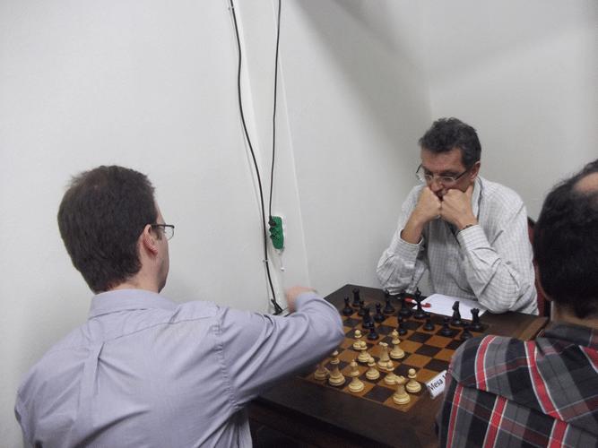 1ª Rodada - Na mesa 10 Antonio Marcos Piñón venceu Aristides Orlandi Neto