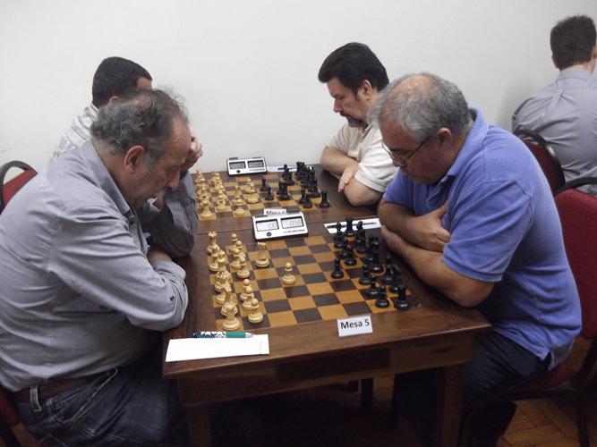 1ª Rodada - Na mesa 5 Juarez Lima venceu Paulo Ricardo Paiva