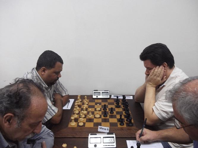 1ª Rodada - Na mesa 6 Carlos Henrique Luz da Costa perdeu para Antonio Padua