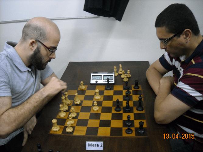 3ª rodada - Na mesa 2, Renato Werner, de brancas, venceu Almir Souza de Almeida
