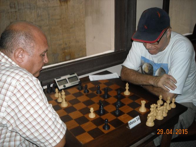 4ª Rodada - Mesa 16 - Tarcísio Leite, de brancas, perdeu para José Carlos Mesquita