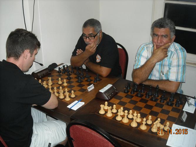 5ª Rodada - Na mesa 4 Claudio Leite perdeu para Nei Jorge.