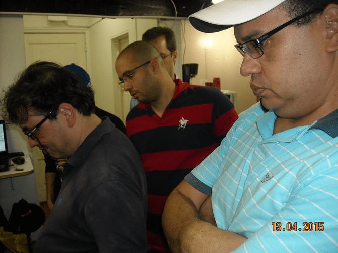 5ª rodada - Na mesa 1, Marcelo Einhorn, Rafael Graciano e Sérgio Patricio observando o final da partida entre Mascarenhas e Renato Werner