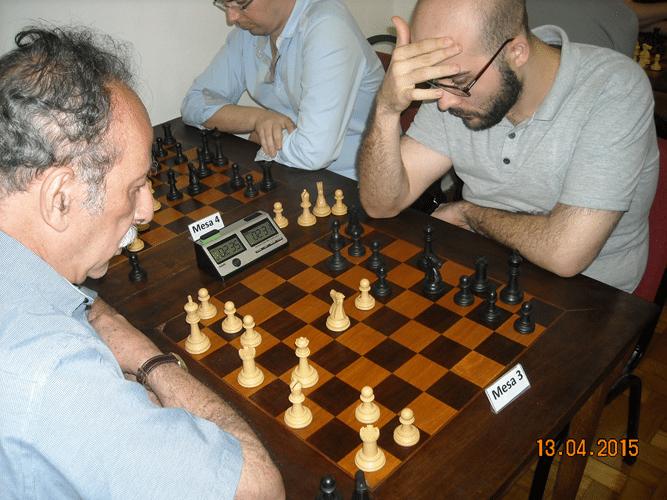 8ª rodada - Na mesa 3, outra visaão da partida entre Juarez Lima e Renato Werner