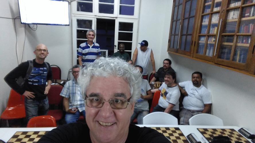 Premiação 10 - Quem é o maluco da selfie