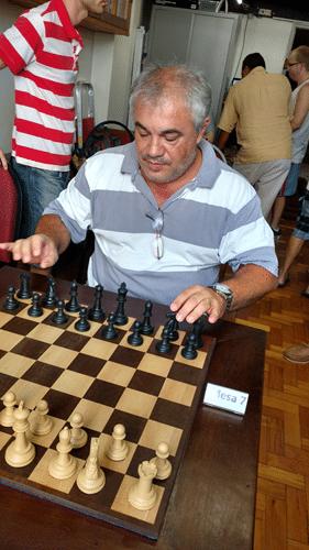 Partidas 1 - Paulo Paiva se preparando para sua partida contra Edvaldo Oliveira