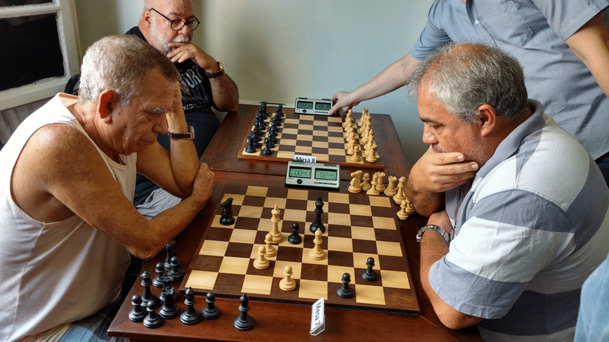Partidas 2 - Edvaldo Oliveira e Paulo Paiva empataram