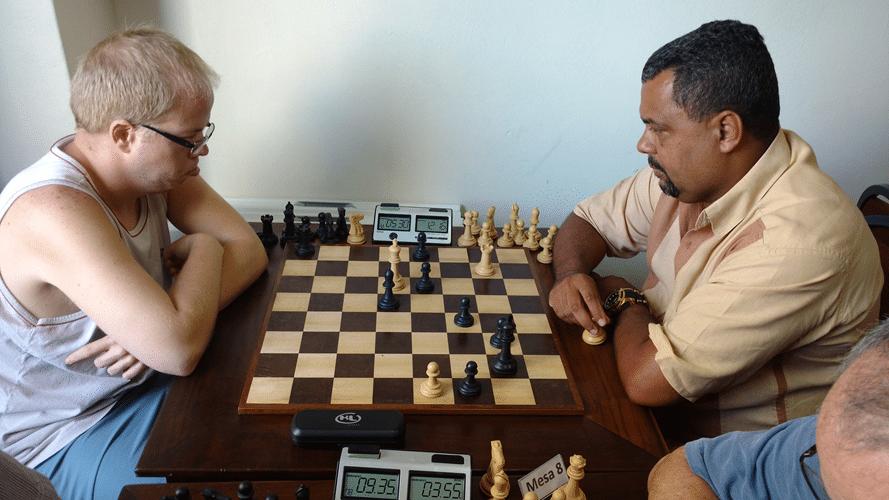 Partidas 4 - Oscar Weibull perdeu de Carlos Henrique Luz da Costa