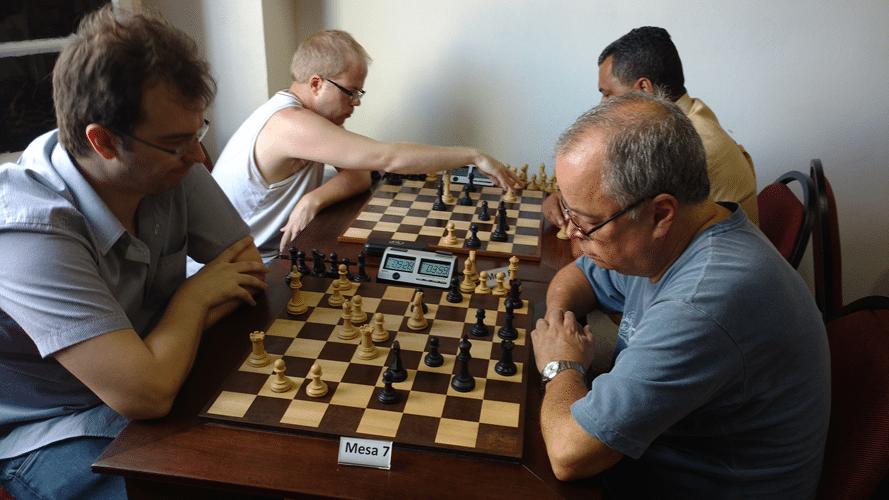 Partidas 5 - Antonio Marcos Piñónn ganhou de Wagner Dias Fernandes