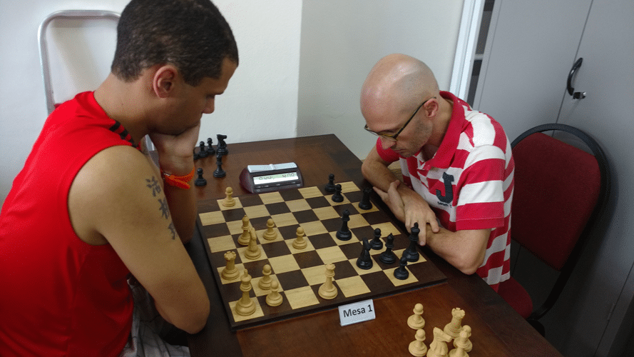 Partidas 9 - André Kemper ganhou de Francesco Noseda
